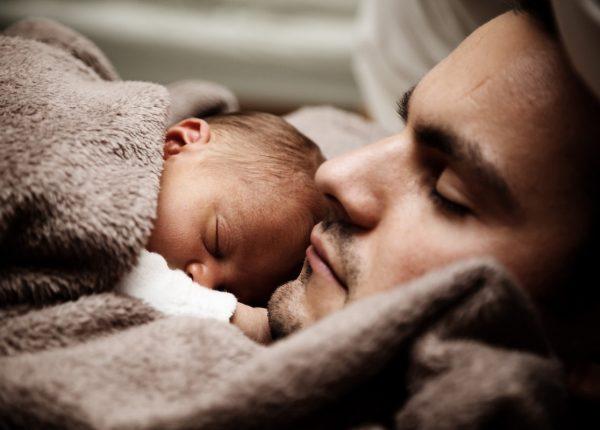 Come calmare il pianto del neonato: istruzioni e consigli