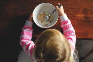 Studio canadese: bere latte intero ridurrebbe nei bambini il rischio obesità