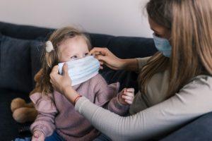 Mascherine per bambini, le regole da seguire