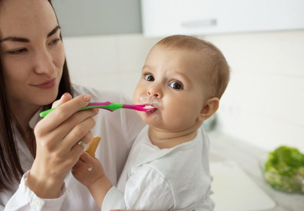 Alimentazione bambino a un anno, tutto quello che c'è da sapere