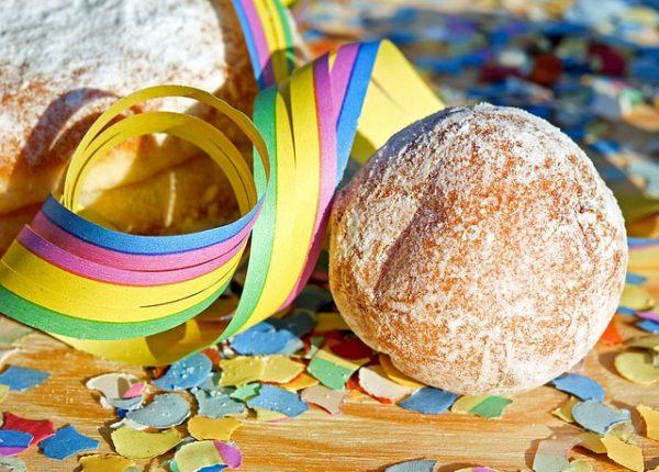 Dolci di Carnevale per bambini, curiosità e ricette