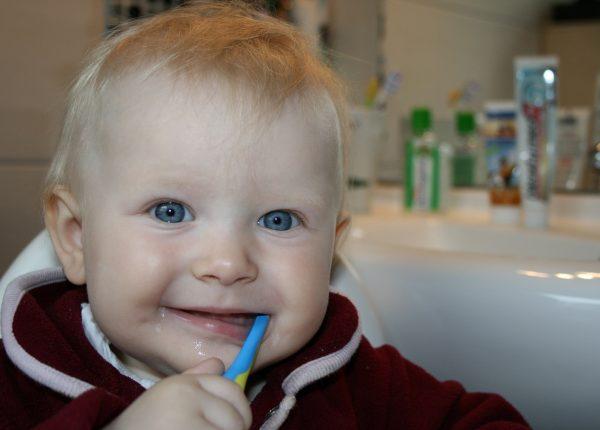 Quando portare alla prima visita dal dentista i bambini