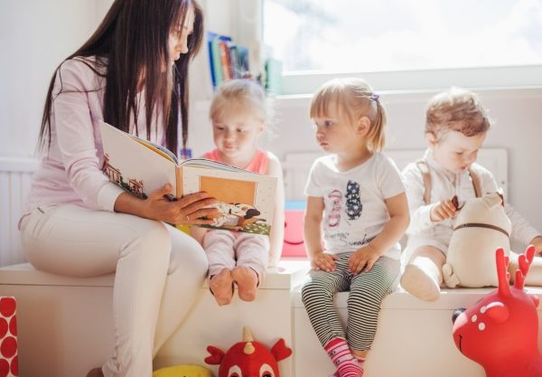 Lettura ad alta voce: migliora del 15% il linguaggio dei bambini da 0 a 3 anni
