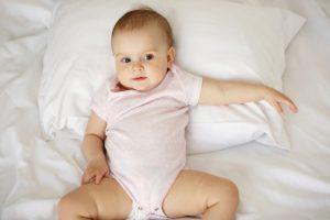 Cuscino per il  neonato: quando e come sceglierlo